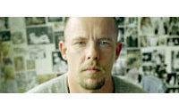 McQueen si è impiccato dopo mix di droga e farmaci