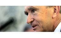 """LVMH: Bernard Arnault """"optimiste"""" pour la croissance, y compris en 2006"""