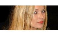 Enquête policière sur les allégations de prise de cocaïne frappant Kate Moss