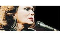 Un parfum au nom d'Amalia Rodrigues devrait être lancé en 2006