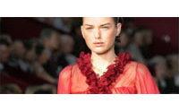 Mode de l'été 2006 : les Espagnoles de YSL, le glamour de Valentino