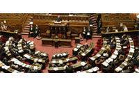Bataille sur la &quot&#x3B;taxe Emmaüs&quot&#x3B;, qui chiffonne distributeurs et gouvernement