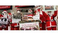 Manifestation anti-fourrure à Nice devant les Galeries Lafayette