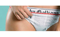 John Galliano développe sa lingerie avec la SIL