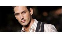 Prêt-à-porter masculin : élégance douce et grise chez Saint-Laurent