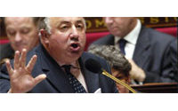 Le maire de Paris va saisir M. Larcher sur la situation à la Samaritaine