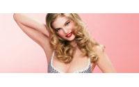 Etam fait appel à Fifi Chachnil pour sa lingerie
