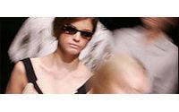 Coup d'envoi des défilés de prêt-à-porter féminin à Paris