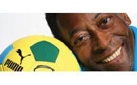 Puma présente de nouveaux produits avec l'ex-footballeur Pelé