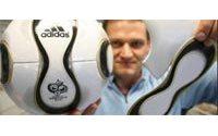 """Mondial 2006 : un """"ballon en or"""" signé Adidas pour la finale"""