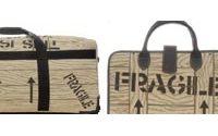 Longchamp confie le design d'une ligne de bagages à Jeremy Scott