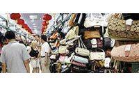 Sur les étals, les contrefaçons ont la vie dure à Pékin
