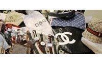Saisie de 4 300 articles contrefaits de marques de luxe venant d'Italie