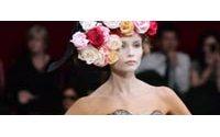 Paris : silhouette redessinée chez Alexander McQueen et gaieté chez Rykiel
