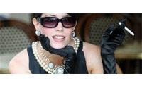 Prix record pour la robe d'Audrey Hepburn dans &quot&#x3B;Diamants sur canapé&quot&#x3B;