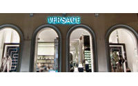 La cure de jouvence des boutiques Versace se poursuit