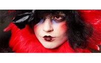 Défilés parisiens : une femme multiple dans un décor surréaliste chez Galliano