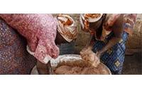 Le succès du beurre de karité, une aubaine pour des villageoises burkinabè