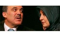 Turquie : un styliste viennois chargé de redessiner le foulard de Mme Gül