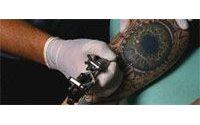 Cosmétiques, tatouages : attention aux effets indésirables