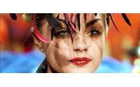 Défilés parisiens : vague de couleurs et d'imprimés pour l'été 2008