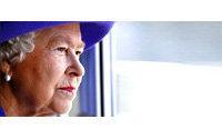 Vogue says Queen Elizabeth II among world's most glamorous