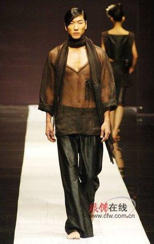 """天意•tangy""""品牌设计总监,中国服装设计师协会理事,时装"""