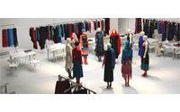 Quarante stylistes présentés à la galerie Nikki Diana Marquardt à Paris