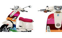 Gap habille un scooter Vespa