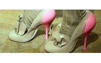 Accessori : scarpe soppiantano borse