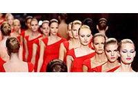 Haute couture : Valentino ovationné pour ses adieux à la mode