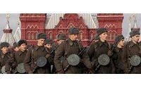Russia : stilista firma uniformi