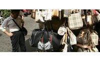 Contraffazioni : prime Napoli e Prato