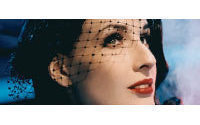 Dita von Teese, styliste pour Wonderbra