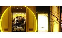 Fendi pose son flagship parisien avenue Montaigne