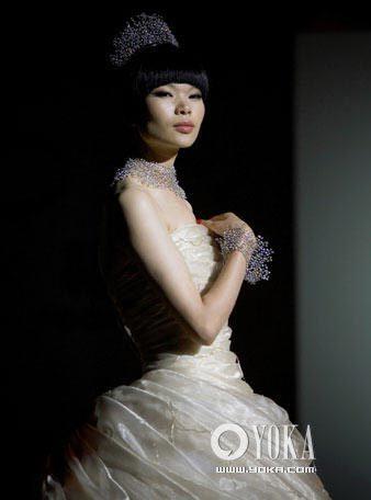 国际名模吕燕演绎魅力珠宝
