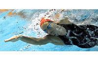Speedo's suit divides swimming world