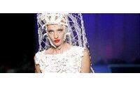 Gaultier mette l'amazzone in gabbia