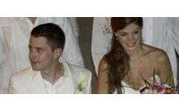 El hijo mayor del presidente colombiano se casa con ex reina de la belleza