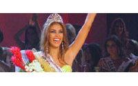 Miss Universo Dayana Mendoza continuará como reina de belleza