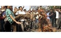 Protests paralyse Bangladesh despite police ban