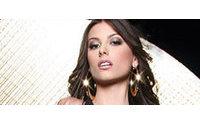 Miss Universo 2008 coronó a la nueva Miss Venezuela, Stefanía Fernández
