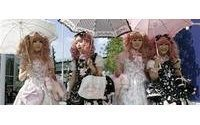 Lolita goes Victorian, Goth in Japan cosplay trend