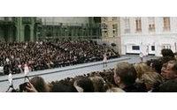 Défilés parisiens : des gitanes chez Chanel, Obama en paillettes chez Castelbajac