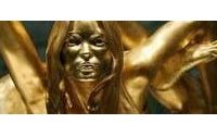 Statua in oro di Kate Moss al British Museum