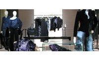 Giorgio Armani abre dos tiendas en un centro comercial de lujo de Nueva Delhi