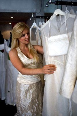 Sfilate con le griffe più importanti del settore abito da sposa 01f125d17be