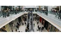 UK : Clothes shoppers abandon mid-market