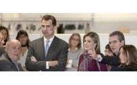 Los Príncipes visitan la sede de la multinacional textil gallega Inditex