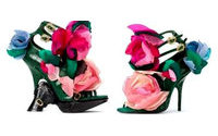 Roger Vivier: scarpe cucite in atelier couture Parigi